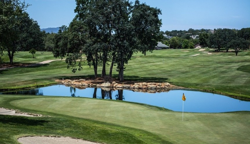 Choosing the Best Aerator for Your Golf Course Pond